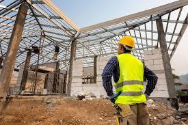 Кухня с выступом вентиляции в углу