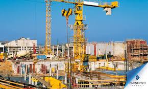 Как правильно клеить жидкие обои на стены?