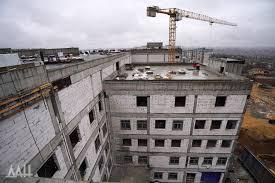 Как наносится короед на стены?